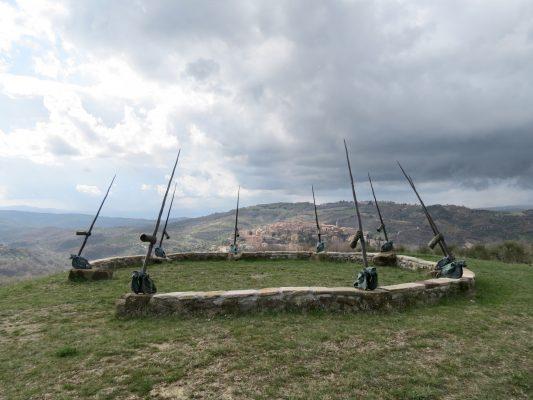 Daniel Spoerri im Skulpturengarten Seggiano, Italien 3-0