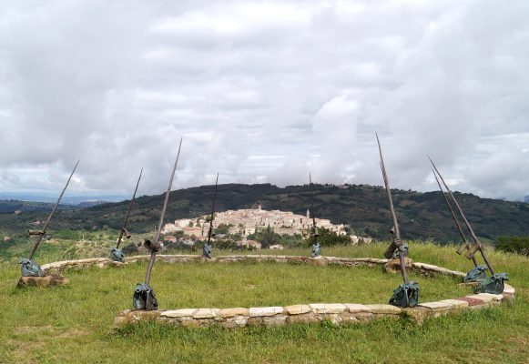 Artisto Daniel Spoerri Sculptura Giardino 3-2
