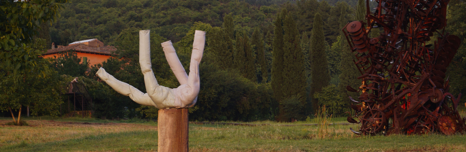 Header Erwin Wurm Giardino di Daniel Spoerri Italiano