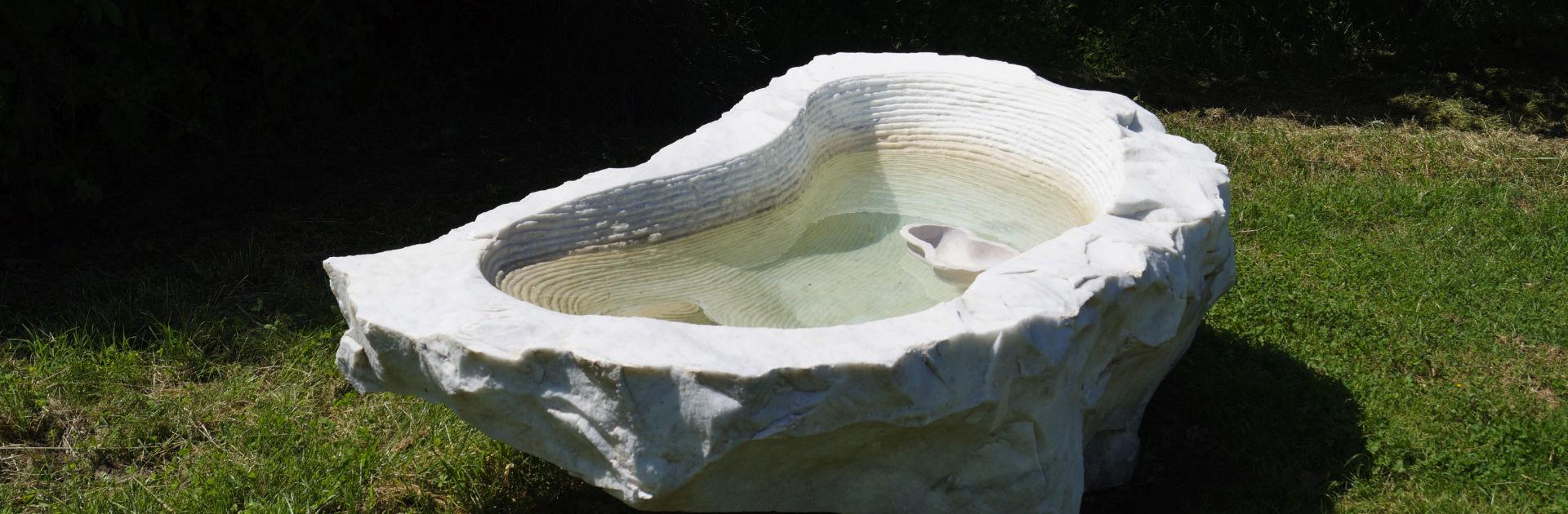 Künstler Luciano Massari im Giardino di Daniel Spoerri