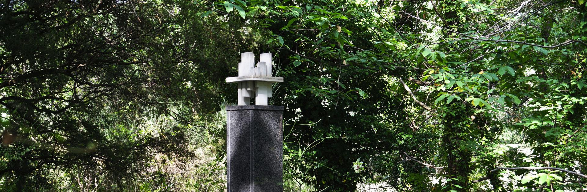 Artist Paul Talman at the Giardino di Daniel Spoerri